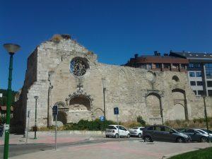 Ruinas del monasterio de San Francisco en Burgos, España