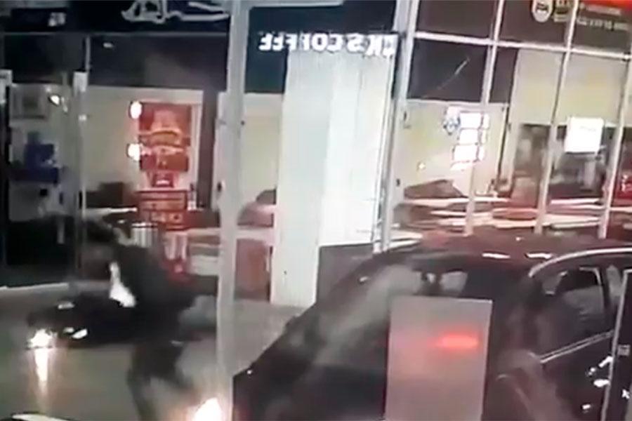 Policía muere en centro comercial Interlomas