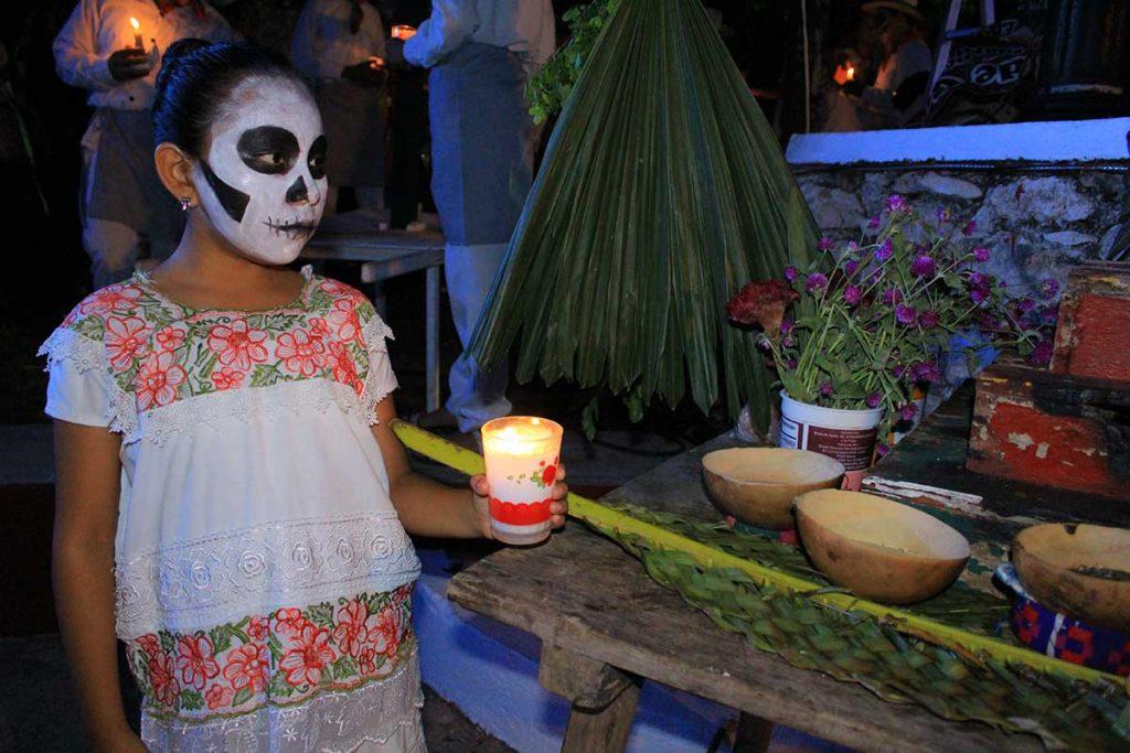 Día de Muertos dentro de un cenote