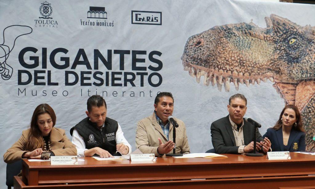 Exposición gigantes del desierto en Toluca
