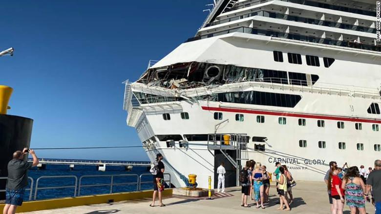 Cruceros chocan en Cozumel