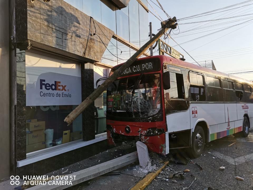 vial accidente en Gómez Farias
