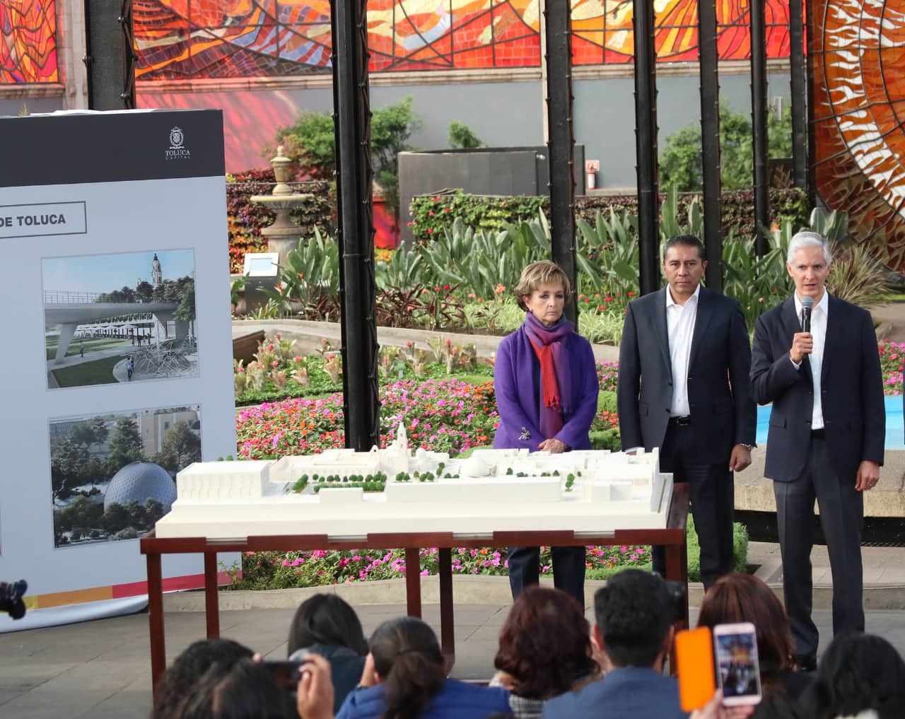 Nuevo Parque y Planetario de Toluca frente a Cosmovitral