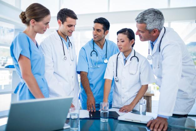 Convocatoria para contratar médicos y combatir el coronavirus en México