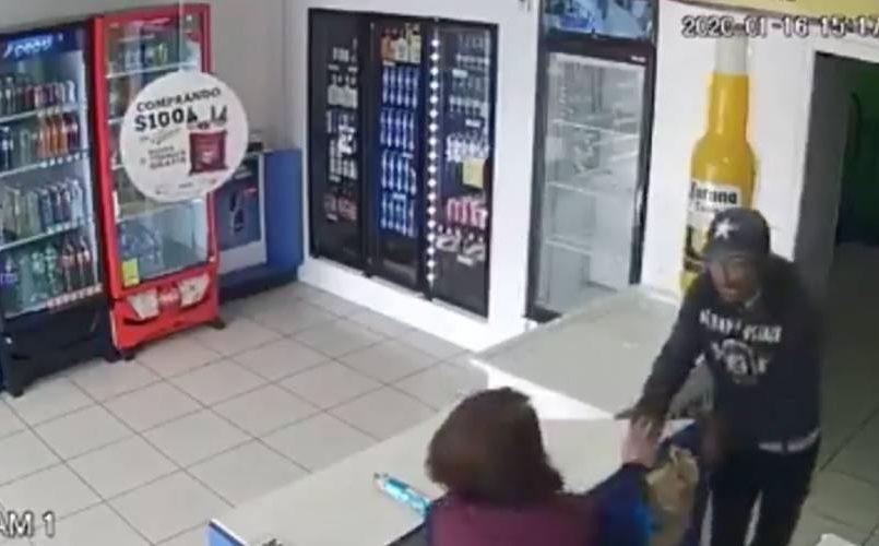 Hombre abusa de una mujer en Chihuahua