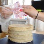 Sube el precio de la tortilla en México