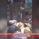 (Video) Amarran y cuelgan de los pies a presuntos delincuentes en Almoloya de Juárez