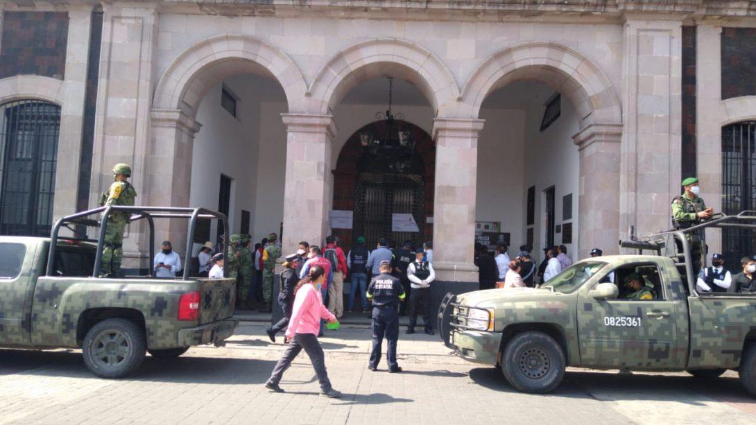 Inician retenes en Toluca reiterando medidas de fase 3 de Covid-19