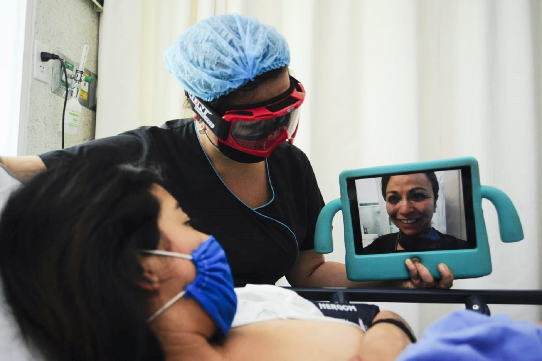 Brindan-visitas-virtuales-a-pacientes-de-COVID-19-en-Edomex1