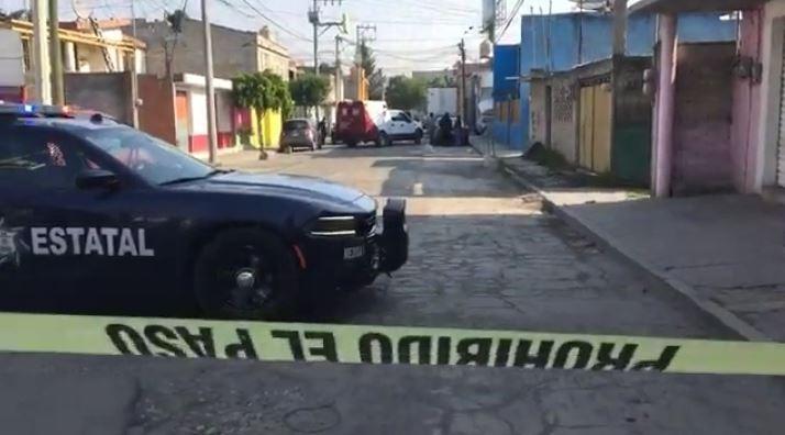 Mujer es asesinada a balazos en colonia de Toluca