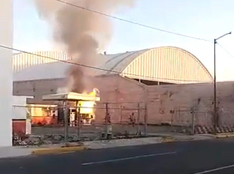 Pipa de gas se incendia en el EDOMÉX VIDEO