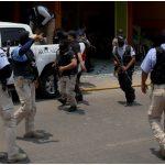 Suspenden-policías-boda-y-XV-años-en-Acapulco