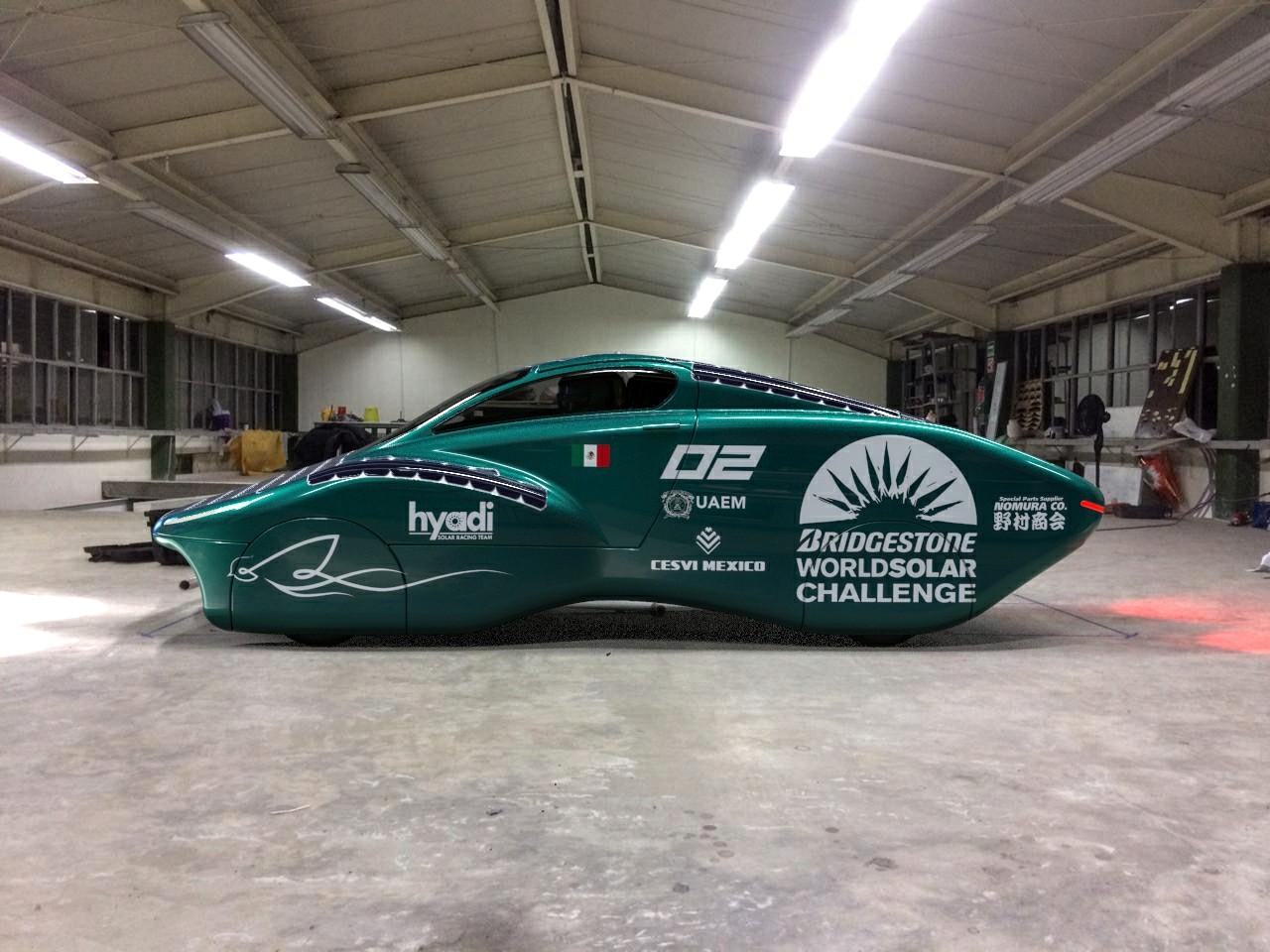 Crean automóvil de carreras de energía solar en Toluca