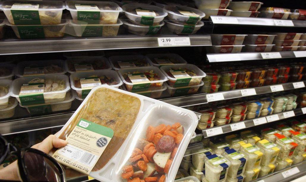 Descubren-raton-muerto-en-comida-del-supermercado