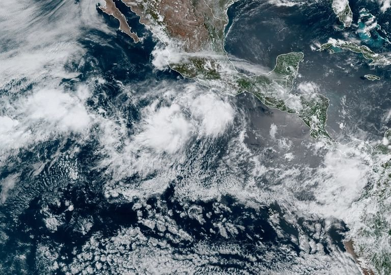 tormenta-cristina-se-encuentra-michoacan