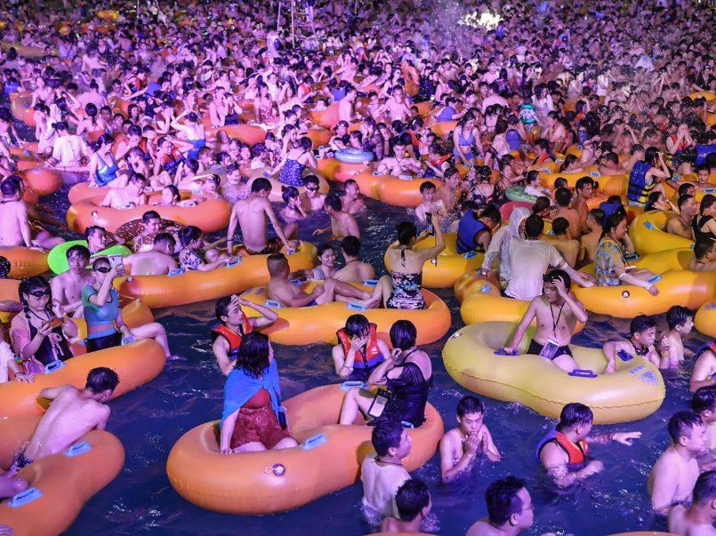 Celebran fiesta acuática en Wuhan1