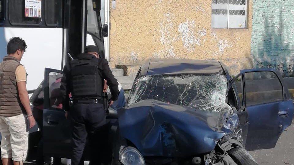 FOTOGALERÍA Duro accidente vehicular entre un camión y vehículo particular1