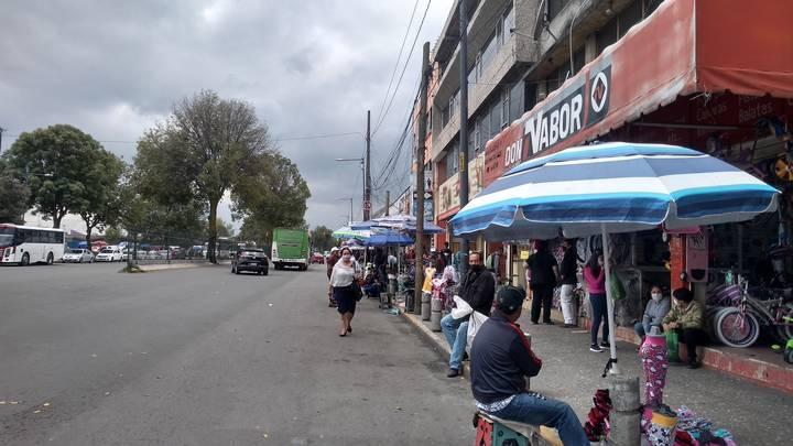 Vuelve actividad comercial ambulante en la Terminal de Toluca