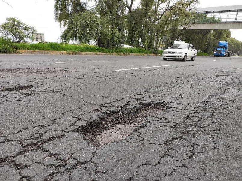 Mexiquenses exigen mantenimiento a carretera Toluca-Tenango del Valle