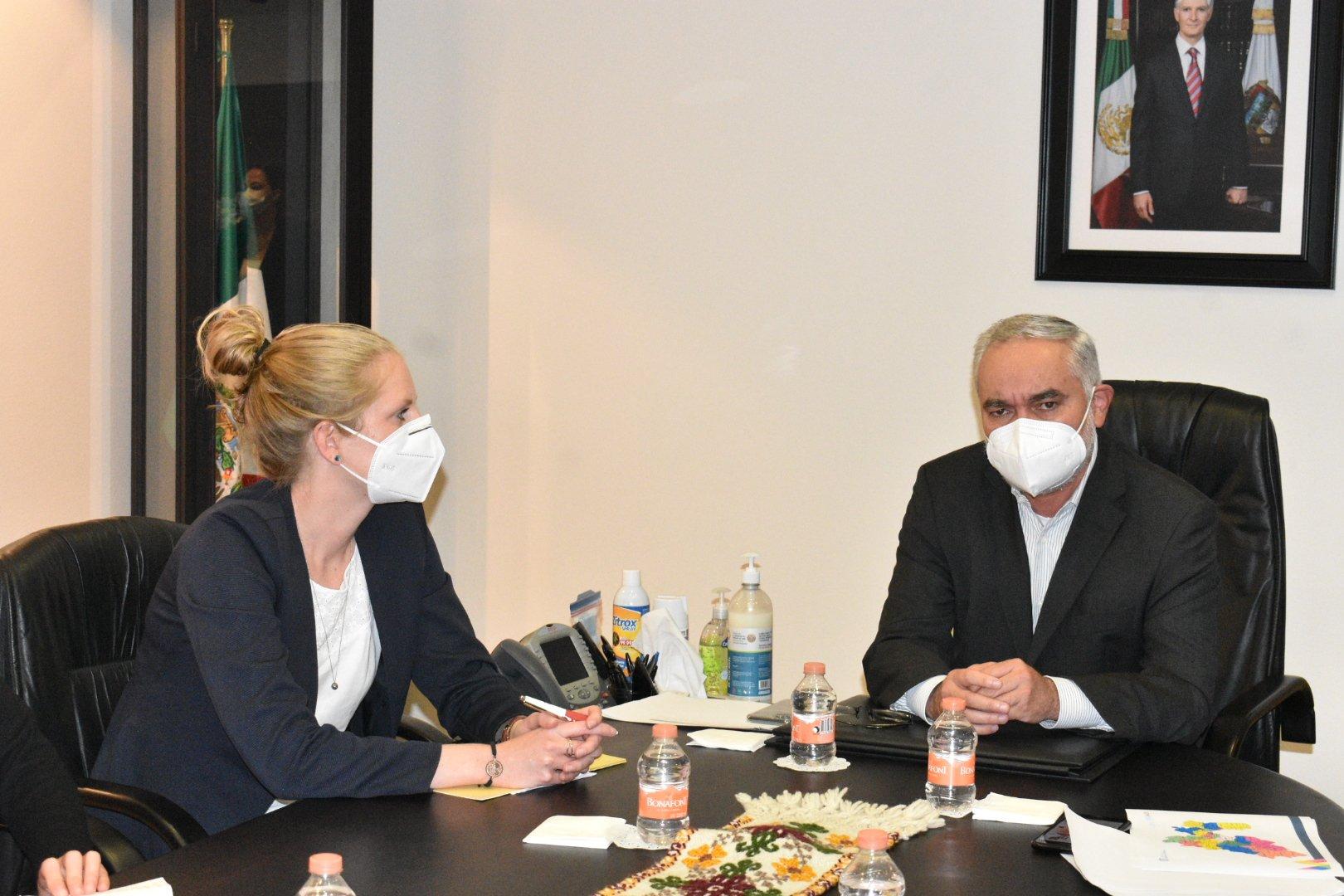 """Reunión de trabajo con la comitiva de Expertos del Proyecto """"German Epidemic Preparedness Team (SEEG)"""". Toluca, Estado de México."""