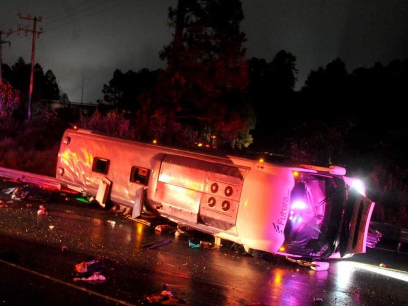 Fuerte accidente se registra en la México-Toluca, 10 personas perdieron la vida