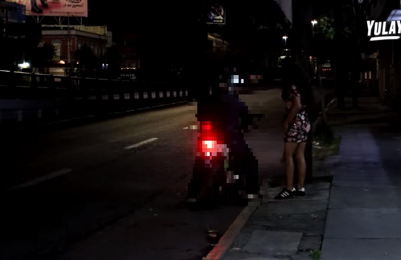 (Video) Youtuber se hace pasar por sexo servidora en Toluca y esto fue lo que paso