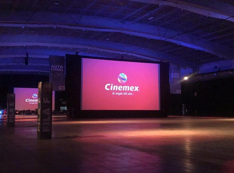 Conoce-el-autocinema-platino-de-Cinemex