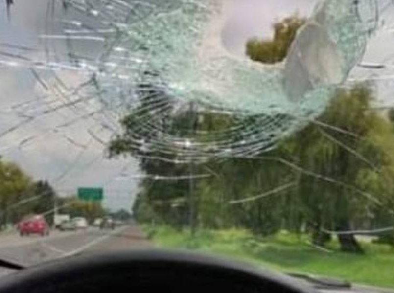 ¡Que no te pase! Siguen los apedreamientos a automovilistas en Tollocan. Se han recibido varias denuncias en los últimos días.