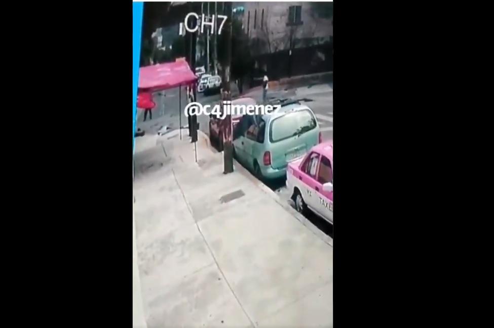 (Video) Exreo y policía se enfrentan con disparos en la CDMX