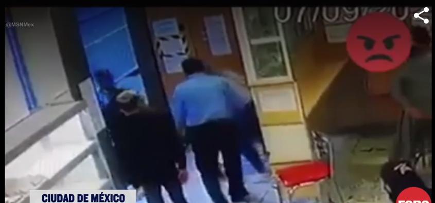 (Video) #Ladyagresiva golpea a otra mujer por meterse en la fila del pan