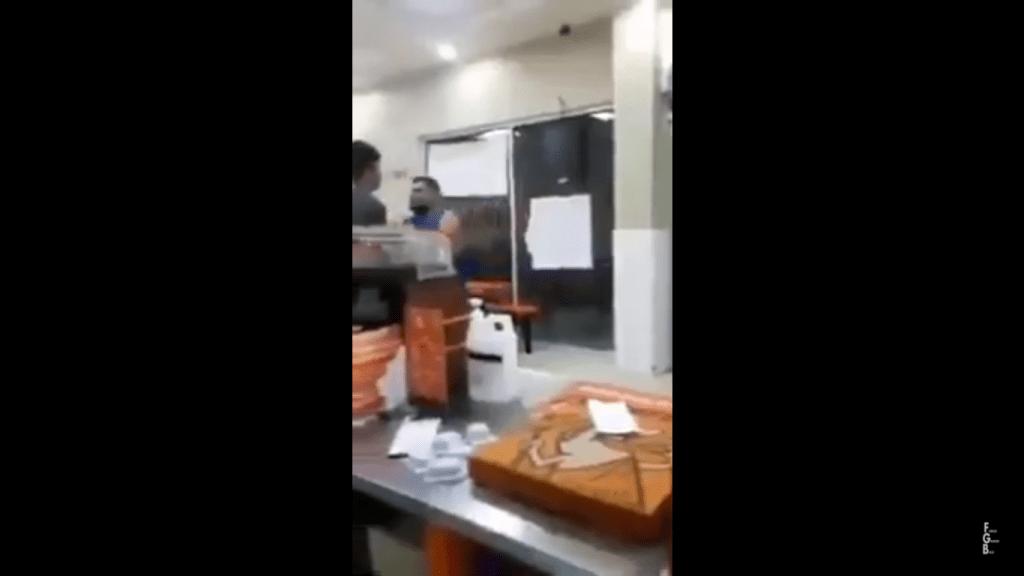 #LordPizza agrede a empleados de Little Caesars exigiendo su orden