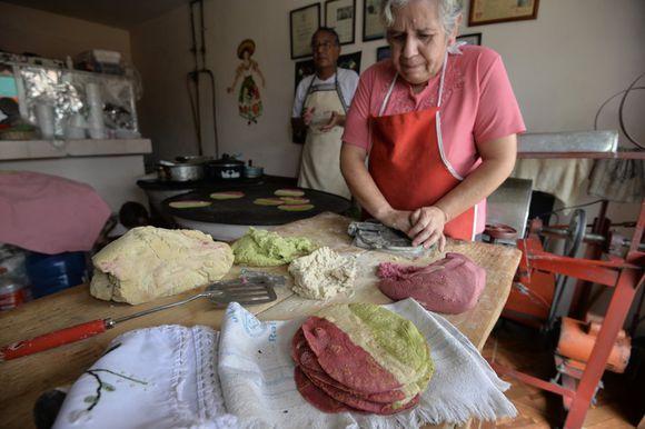 tortillas-tricolor-en-toluca-una-tradicion-que-empezo-hace-19-anos