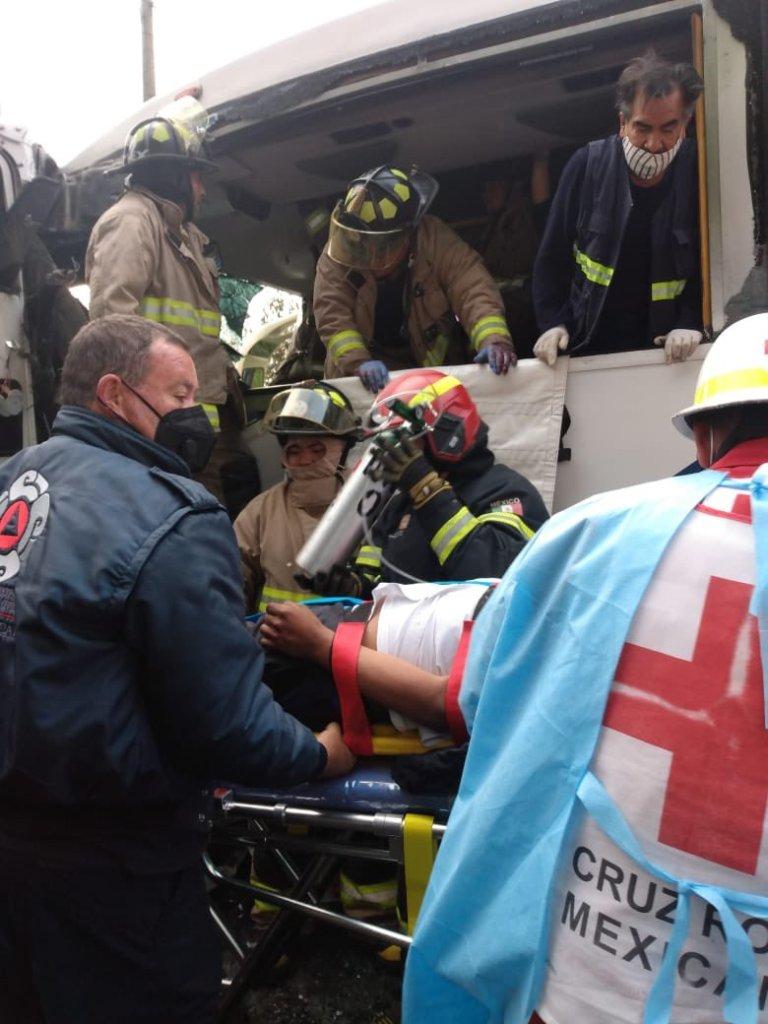 Accidente en la Toluca-Naucalpan deja varios heridos