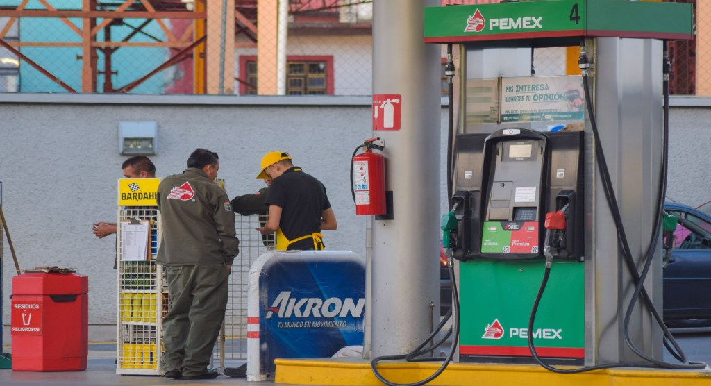 Estas gasolineras ofrecen litro a 15 pesos en Toluca y Metepec