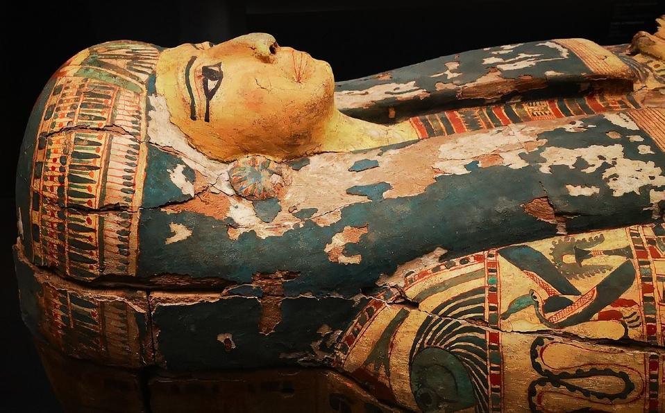 (Video) Abren sarcófago de momia de 2600 años de antigüedad en Egipto
