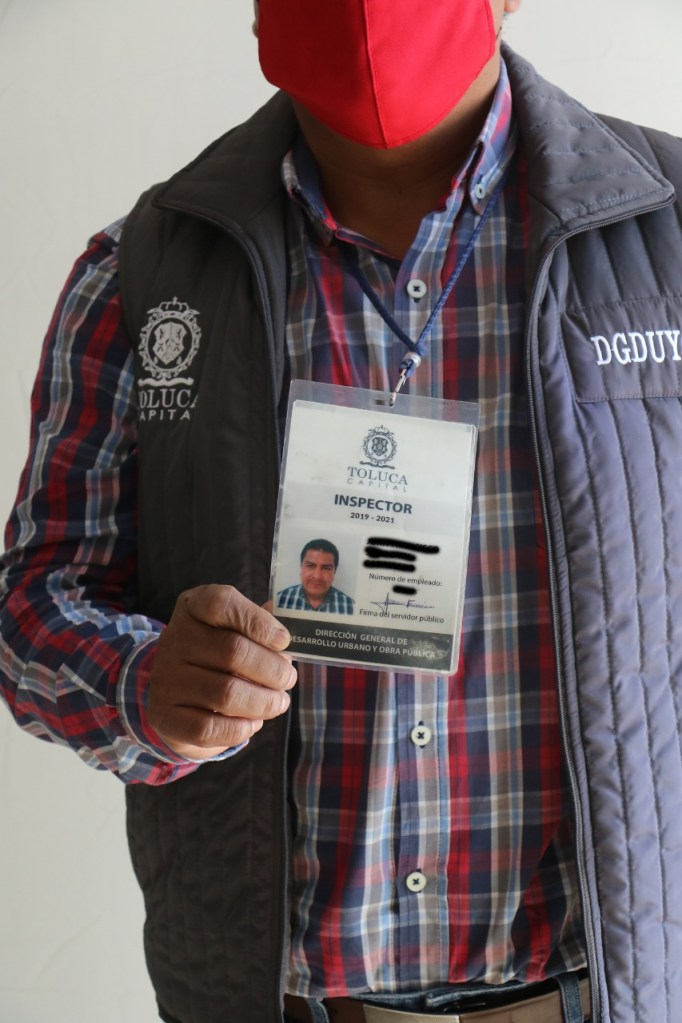 Autoridades de Toluca alertan por falsos verificadores de construcción