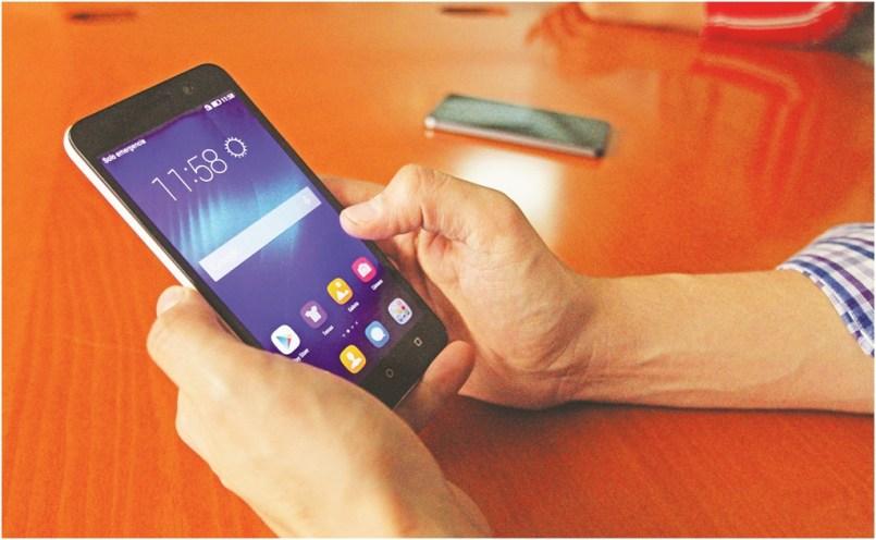 Hacienda planea un alza de precios de telefonía e internet. Así lo alertó la IDET en el Paquete Económico del 2021.