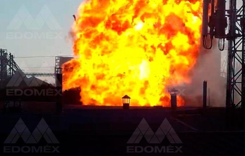 edomex-evacuan-a-mas-de-200-personas-tras-incendio-en-fabrica-de-veladoras