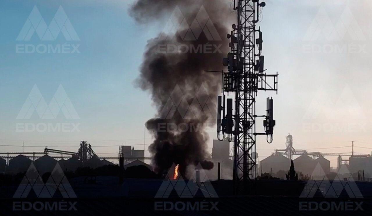 edomex-evacuan-a-mas-de-200-personas-tras-incendio-en-fabrica-de-veladoras2
