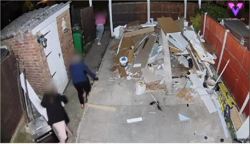 (Video) Ladronas entran a robar una casa y el dueño sorprende con su reacción