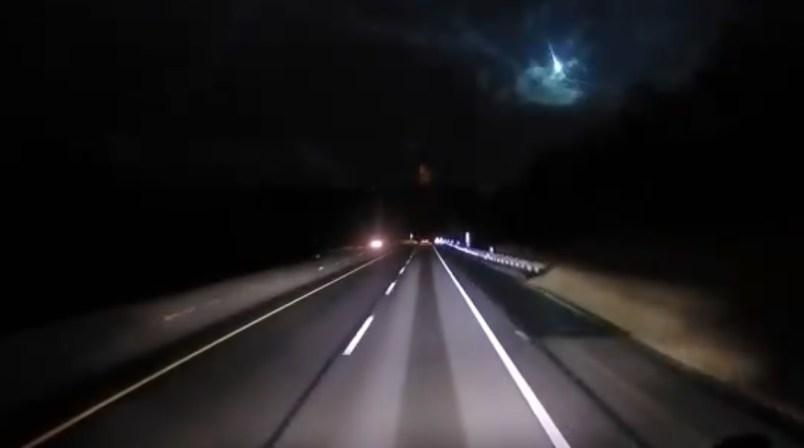 (Video) Meteorito ilumina el cielo nocturno