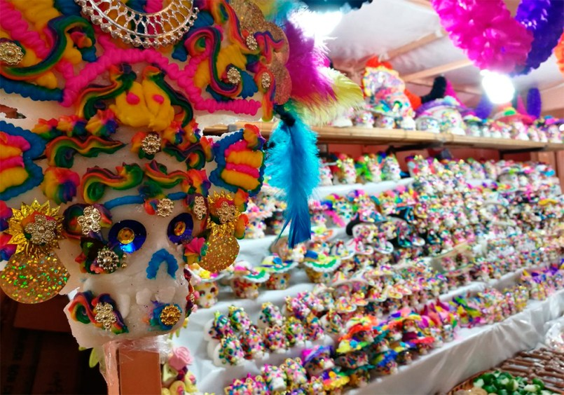 La Feria del Alfeñique ya está a la vuelta de la esquina, por eso te damos una guía con todo lo necesario para que la disfrutes.