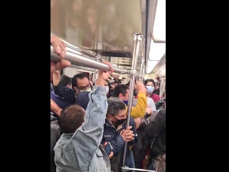 (Video) Pelea en vagón del metro de la CDMX por falta de espacio