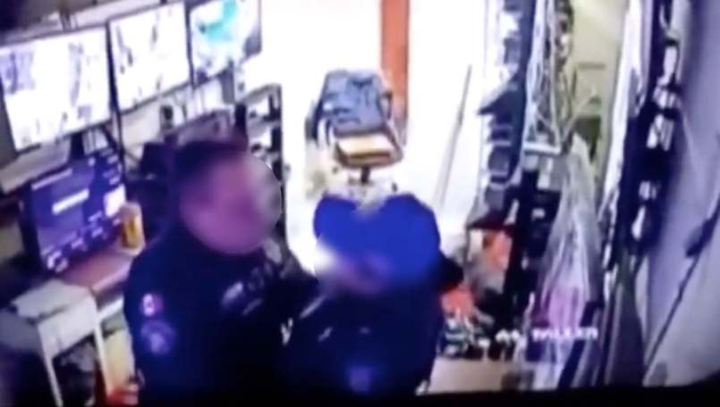 Dos-policias-de-la-CDMX-fueron-suspendidos-por-tener-relaciones-en-el-trabajo