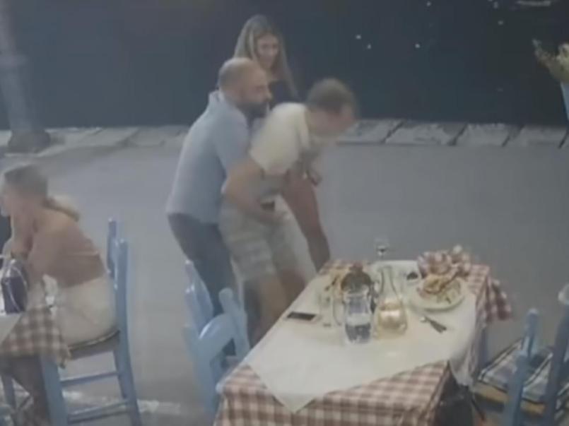 Joven-casi-se-ahoga-en-un-restaurante-Un-empleado-lo-salvo