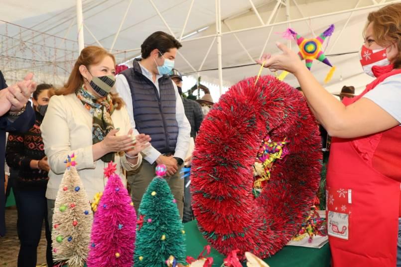 Ya-inicio-la-cuarta-Feria-Navidena-Edomex-en-Metepec