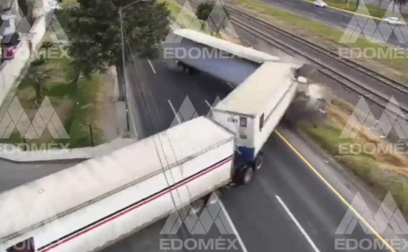 choque trailer toluca atlacomulco