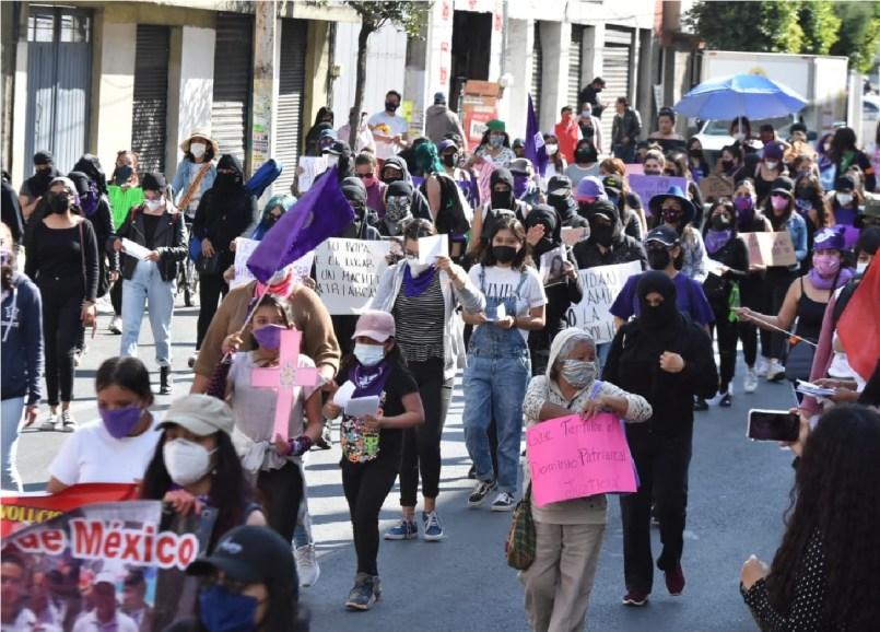 marchan-mujeres-en-contra-de-feminicidios-toluca