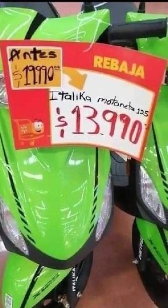 mujer-se-encadena-a-moto-respetan-precio