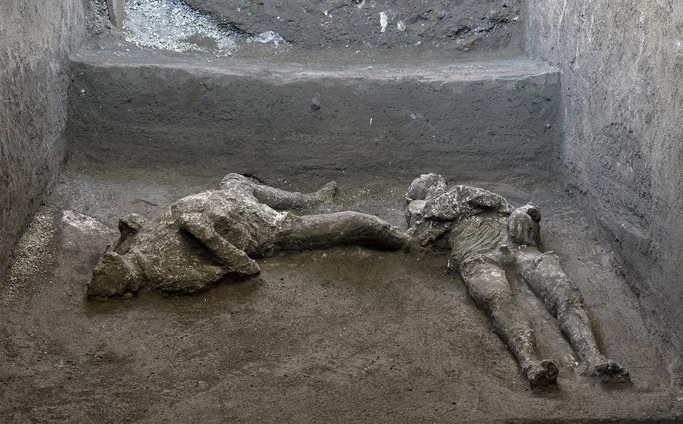 (Video) Encuentran dos cuerpos conservados de hombres que murieron en la erupción de Pompeya